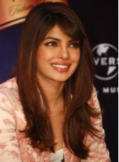 "22"" Bright Brown Priyanka Chopra Bangs Long Synthetic Loose Wave Wigs"